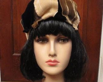 30% OFF Vintage 1940's Ladies Velvet Bow Hat Union Label Black Ivory
