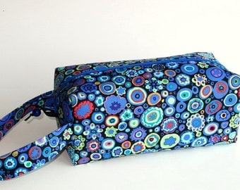 Boxy Bag Knitting Project Bag - Paperweight in cobalt
