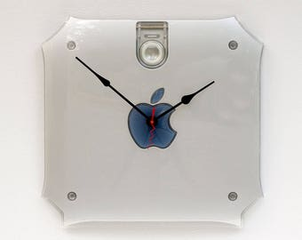 Apple clock, upcycled Mac clock, iphone, ipod, Retro gift, Mac lovers clock, Apple lovers gift clock, recycled Apple mac G4 side cover clock