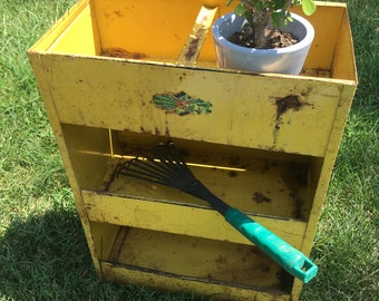 Yellow Metal Tool Caddy Garden Display Plant Holder Shelf Chippy Shabby Rusty