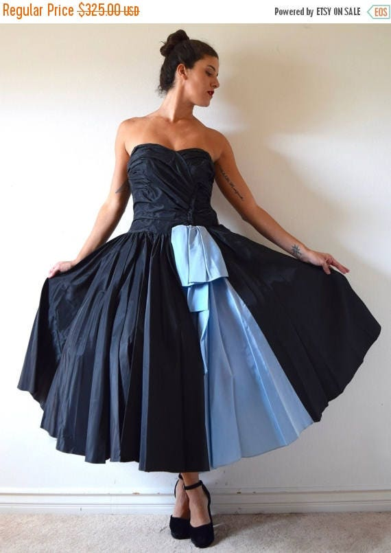 SUMMER SALE / 20% off Vintage 50s Inky Black and Blue Taffeta Strapless New Look Circle Skirt Prom Dress (size xxs, xs)
