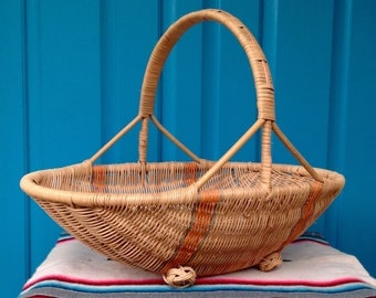 FREE SHIPPING-Vintage Oval Footed Wicker Basket with Handle-Striped Wicker Basket-Garden Gathering Basket-Bohemian-Centerpiece-Cottage