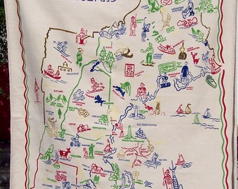 Vintage NEW ENGLAND Tablecloth State Souvenir Travel Map