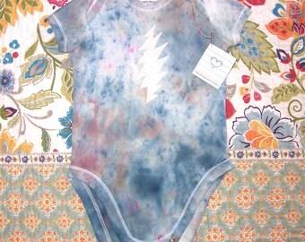 Grateful Baby ~ 100% ecofriendly cotton and hemp onesie ~ lightning bolt ~ steal your face ~ tie dye hippie onesie ~ 9 months