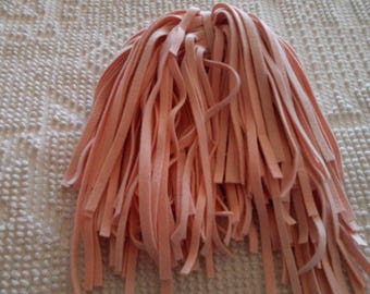 116 Hand Dyed Wool Rug Hooking Strips   Lt. Pink