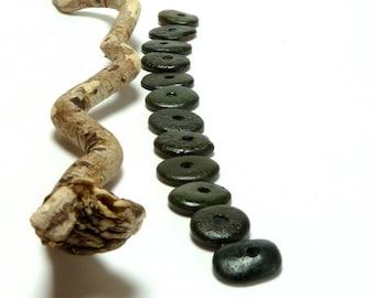 Beach Sea Stones SALT ROCK Pebbles Center Drilled Jewelry Small Rondelle Black Donuts diy Spacers Rocks Beachstone Wheels