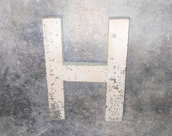 Vintage Metal Sign Metal Letter H Sign Chippy Painted Letter H Sign Old Rusty Letter H 6 Inches Tall