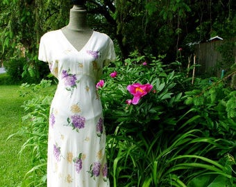 Summer fashion vintage 90s, off white rayon, double layers, maxi dress with a lilac and roses print. Made by Nostalgia. Size Large.