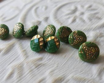 Vintage Buttons 9 dainty green 2 small matching styles gold accent glass (july 600 17)