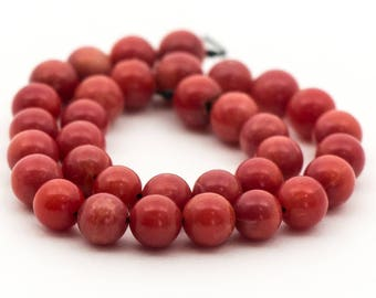 """Red Coral Beads, round, 4.5mm, 6.25"""" strand"""
