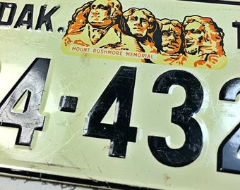 Small license plate cereal box South Dakota SD Mount Rushmore car bike 1954