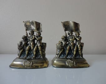VINTAGE 1974 'spirit of '76' brass tone PATRIOTIC americana BOOKENDS