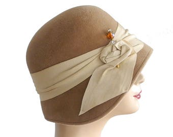 Cloche Hat- Women's Hat- Fall Fashion- Winter Accessories- Fall Accessories- Camel Hat- Flapper Hat- Great Gatsby Hat- 1920s Style Hat- Hat