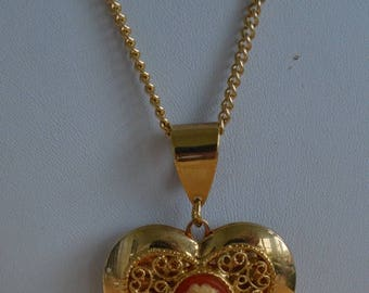"On sale Pretty Vintage Cameo Heart Locket Pendant Necklace, 25"" (AC15)"