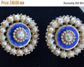 ON SALE Royal Blue, Faux Pearl Screw Back Earrings, Gold tone, Vintage (D3)