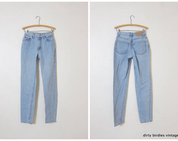 "90s Mom Jeans | GAP Light Wash Jeans | High Waist Denim Tapered Leg Jeans Vintage Womens Jeans Womens XS Slim Fit 26"" Waist"