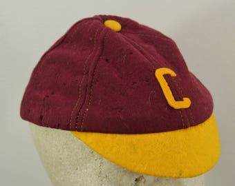 Vintage WOOL BEANIE maroon and gold letter C toddler child size medium