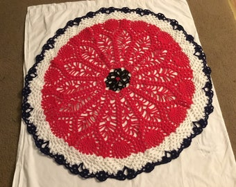 Red,white,blue, pineapple stitch doily