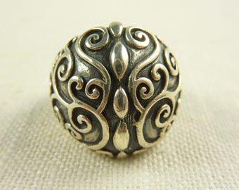 Size 8 Vintage Thai Sterling Domed Ring
