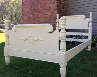 Twin Shabby Chic bed, White Bed, Rose Appliques, Vintage, Painted Restored Lightly Distressed Furniture