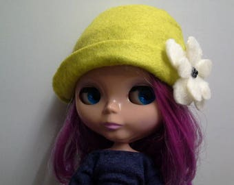 Lime Green Felt Hat with Brim for Blythe Doll with Cream Felt Flower
