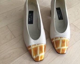 40% OFF The Vintage Beige Amber Tip Stuart Weitzman Kitten Heels Shoes