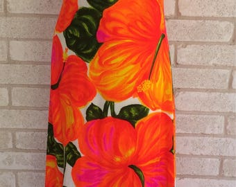 1970's floral print Hawaiian dress made in Honolulu SMALL