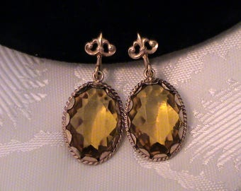 Vintage Amber Glass Pendant Fleur de Lis Screw Back Earrings