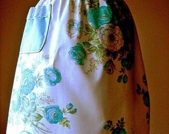 APRON Kitchen Skirt Bottom Cover PINAFORE Vintage Aqua Blue Roses Rosebuds PRETTY