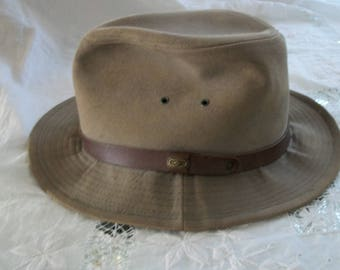 1940s Style Vintage Authentic Taupe Wool Fedora Gangster Hat Leather Band Outer Brim Size Large Union Label