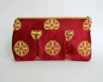 Nana red and gold medallion patterned Sophie clutch