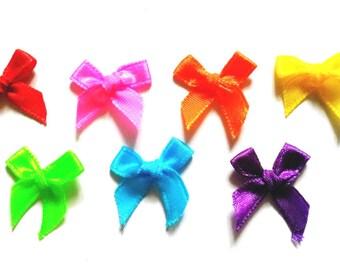 100 pcs  Cute Satin BOW Ribbon Applique Embellishment Decoration size 20 x 25mm - mix Rainbow color