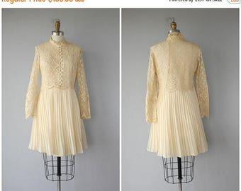 48 HR FLASH SALE Vintage 1960s Lace Dress   60s Dress   60s Wedding Dress   60s Lace Dress   Vintage 1960s Dress   60s Party Dress   Cream L