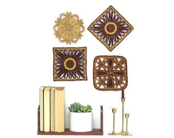 Vintage Autumn Colors Woven Straw Trivets Collection, Snowflake Trivets, Wine and Gold Colors