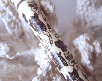 """The """"Princess Lover"""" Cat Lover Hair Stick Featuring Holly inlaid with Peacock Fresh Water Pearls"""