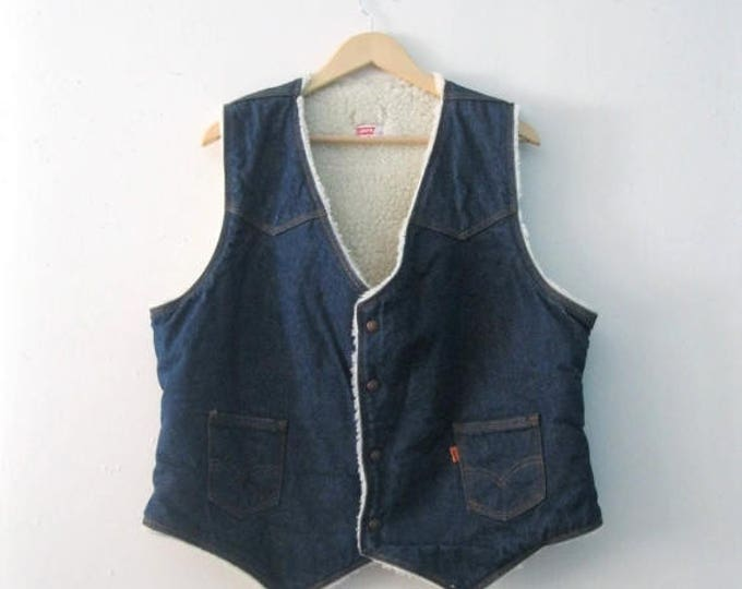 WINTER SALE Vintage Mens 70s orange tab levis denim vest / fleece shearling Levis jean Boho Folk Woodsman vest