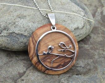 Necklace olive wood lovebirds bird wooden stainless steel ball chain medallion wood round pendant inseparable alentejoazul talisman vegan