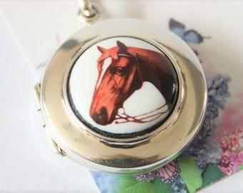 Sterling silver locket. Horse design locket. Equestrian gift idea. Locket and chain