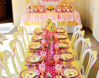 Pink Polka Dots Table Runner, Emoji Party, Table Runners, Table Decor, Emoji Table, Polka Dots