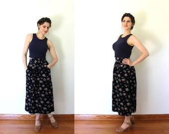 Corduroy Skirt / Floral Skirt / 1980s High Waisted Navy Blue Floral Corduroy Skirt