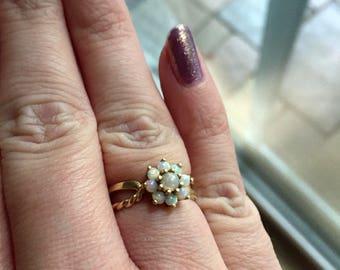 Opal Flower Ring - 14k Gold - Vintage