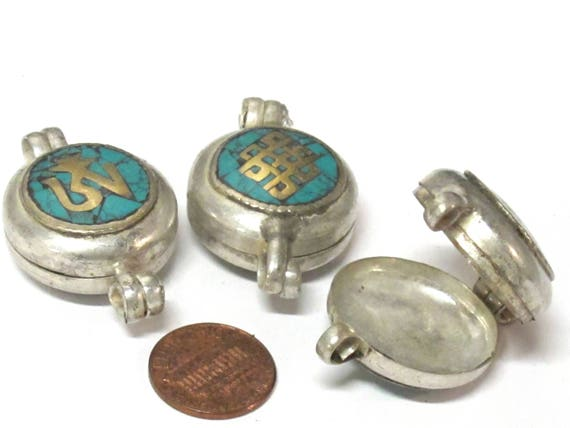 1 Pendant - Reversible endless Knot OM symbol Tibetan silver turquoise inlaid Ghau prayer box Endless knot pendant - PM571C