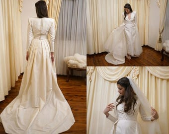 Vintage 80s Does 40s Ivory Silk 5 Piece Rapsimo Adelaide Faux Pearl Beaded Stunning Cathedral Wedding Gown Bridal Wedding Dress