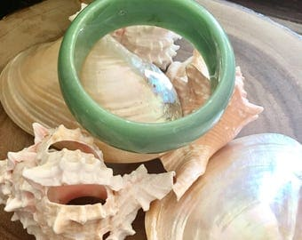 Vintage Green Jadeite Bangle / Lucite Bracelet / Faux Jade