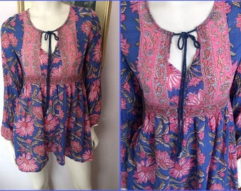 """Vintage 70s Bue & Pink Indian Cotton Gauze Block Print Tunic Bluse Top.S/M.Bust up to 38""""."""