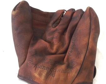 Vintage Baseball Mitt, Yale Furillo Model Cowhide Glove (A1)
