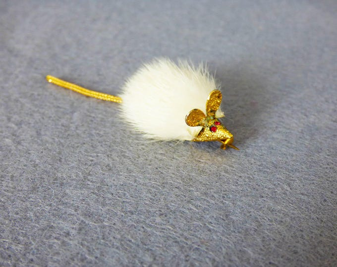 Vintage mouse brooch