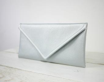 Simple silver envelope clutch | simple silver bridesmaid purse | envelope silver purse