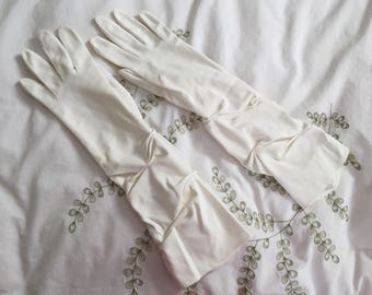 """Vintage Ruched Gloves, Off White, 3/4 length, Wedding, Prom, Cocktail Party, 1950's, Long Length, 16"""" Size 7.5"""