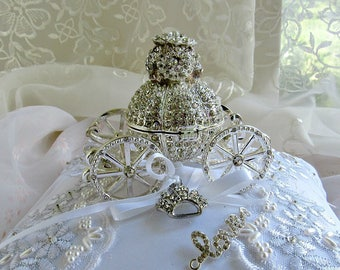 wedding ring fairy tale cinderella carriage ringbearer pillow cake topper centerpiec themed bridal shower